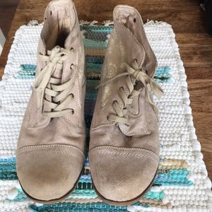 Roxy Suede Ankle Boots Size 11
